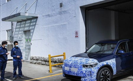 2021 BMW iX3 Pre-Production Wallpapers 450x275 (55)