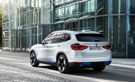 2021 BMW iX3 Rear Three-Quarter Wallpapers 450x275 (39)