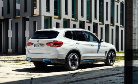 2021 BMW iX3 Rear Three-Quarter Wallpapers 450x275 (22)