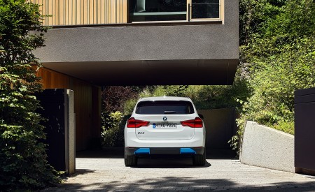 2021 BMW iX3 Rear Wallpapers 450x275 (33)