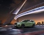 2021 Bentley Bentayga V8 (Color: Alpine Green) Front Three-Quarter Wallpapers 150x120 (3)