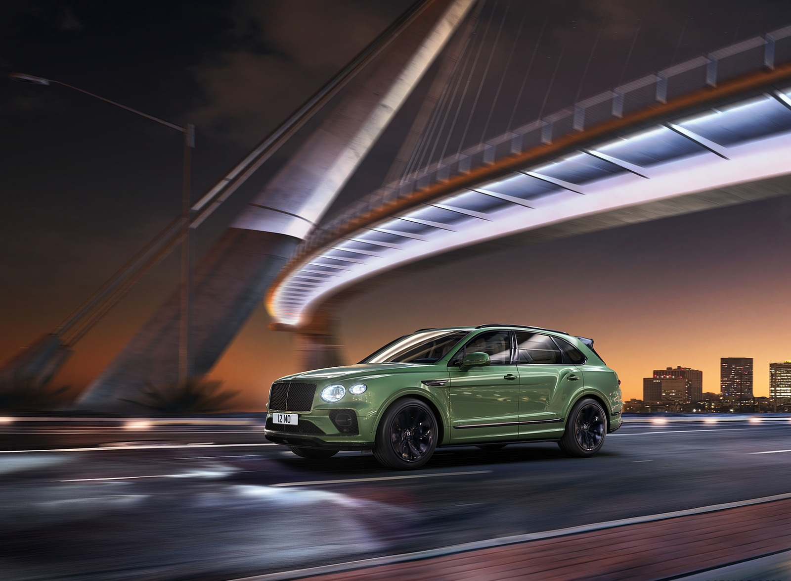 2021 Bentley Bentayga V8 (Color: Alpine Green) Front Three-Quarter Wallpapers (3)