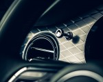 2021 Bentley Bentayga V8 Interior Detail Wallpapers 150x120 (19)
