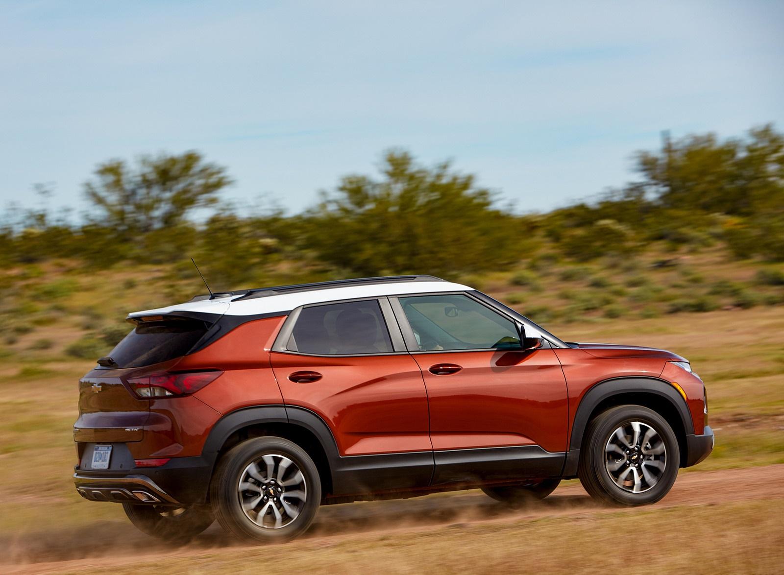 2021 Chevrolet Trailblazer ACTIV Rear Three-Quarter Wallpapers (4)