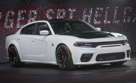 2021 Dodge Charger SRT Hellcat Redeye Front Three-Quarter Wallpapers 450x275 (32)