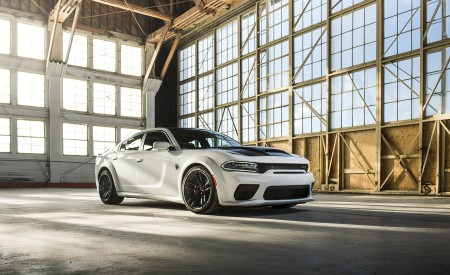 2021 Dodge Charger SRT Hellcat Redeye Front Three-Quarter Wallpapers 450x275 (26)