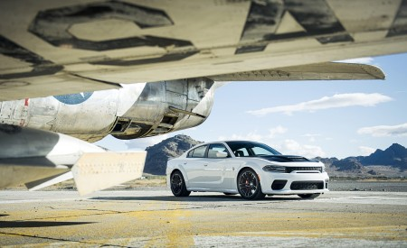 2021 Dodge Charger SRT Hellcat Redeye Front Three-Quarter Wallpapers 450x275 (17)