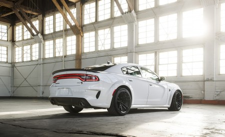 2021 Dodge Charger SRT Hellcat Redeye Rear Three-Quarter Wallpapers 450x275 (30)