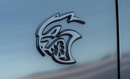 2021 Dodge Durango SRT Hellcat Badge Wallpapers 450x275 (38)