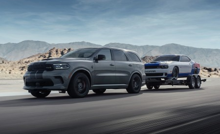 2021 Dodge Durango SRT Hellcat Front Three-Quarter Wallpapers 450x275 (13)