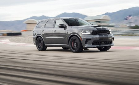 2021 Dodge Durango SRT Hellcat Front Three-Quarter Wallpapers 450x275 (3)