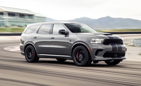 2021 Dodge Durango SRT Hellcat Front Three-Quarter Wallpapers 450x275 (2)