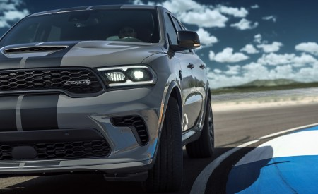 2021 Dodge Durango SRT Hellcat Headlight Wallpapers 450x275 (32)