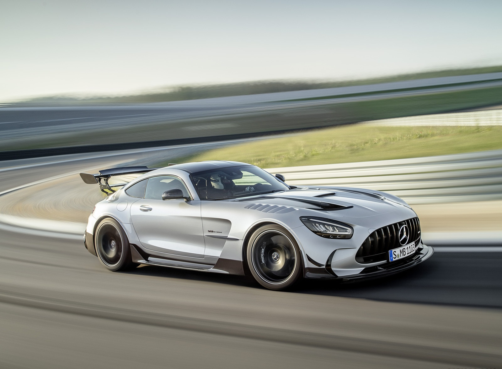 2021 Mercedes-AMG GT Black Series (Color: High Tech Silver) Front Three-Quarter Wallpapers (4)