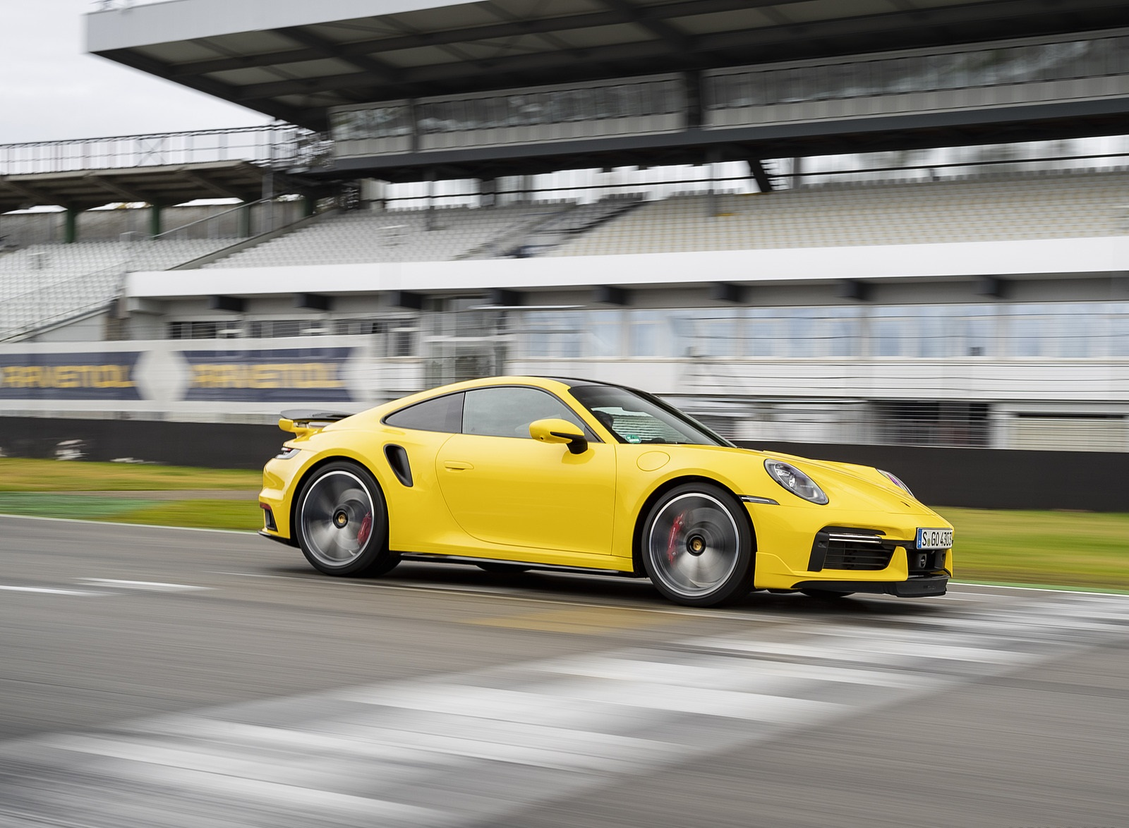 2021 Porsche 911 Turbo (Color: Racing Yellow) Front Three-Quarter Wallpapers (8)