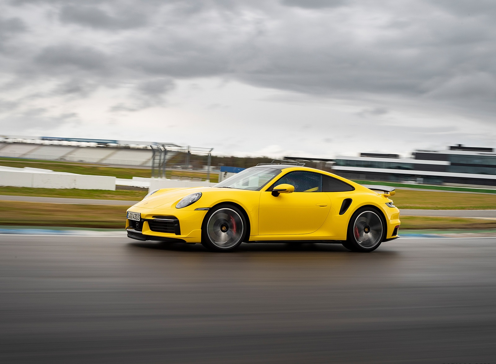 2021 Porsche 911 Turbo (Color: Racing Yellow) Front Three-Quarter Wallpapers (9)