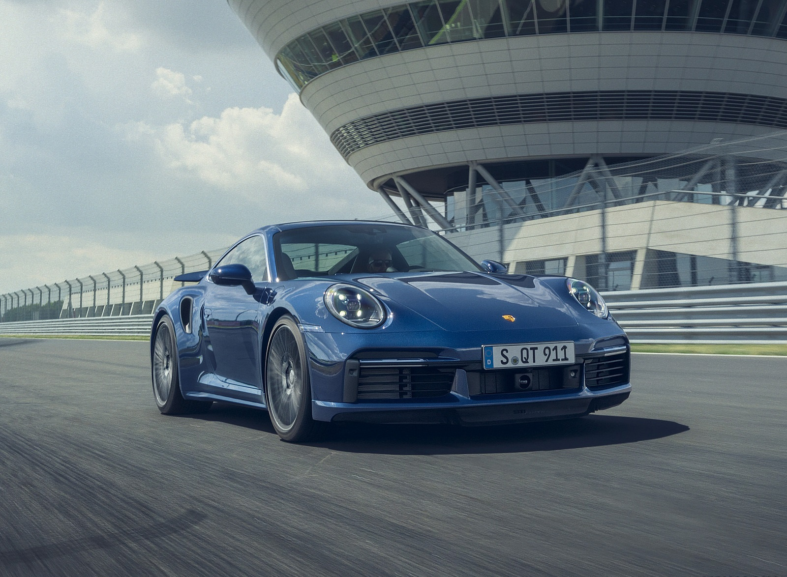 2021 Porsche 911 Turbo Front Three-Quarter Wallpapers (3)