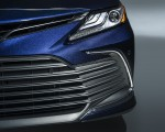 2021 Toyota Camry XLE Grill Wallpapers 150x120 (6)