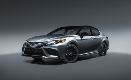 2021 Toyota Camry XSE Hybrid Wallpapers HD