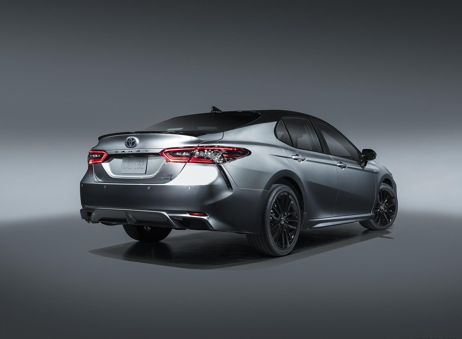 2021 Toyota Camry XSE Hybrid Rear Three-Quarter Wallpapers (3)