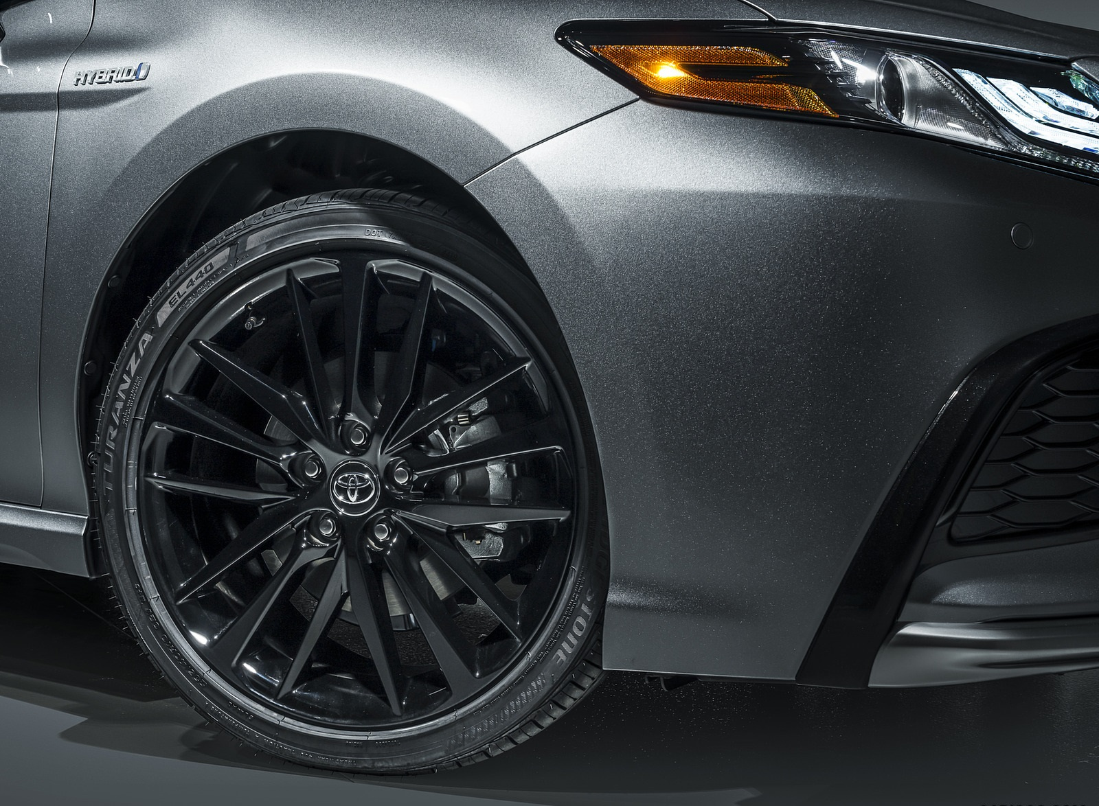 2021 Toyota Camry XSE Hybrid Wheel Wallpapers (6)