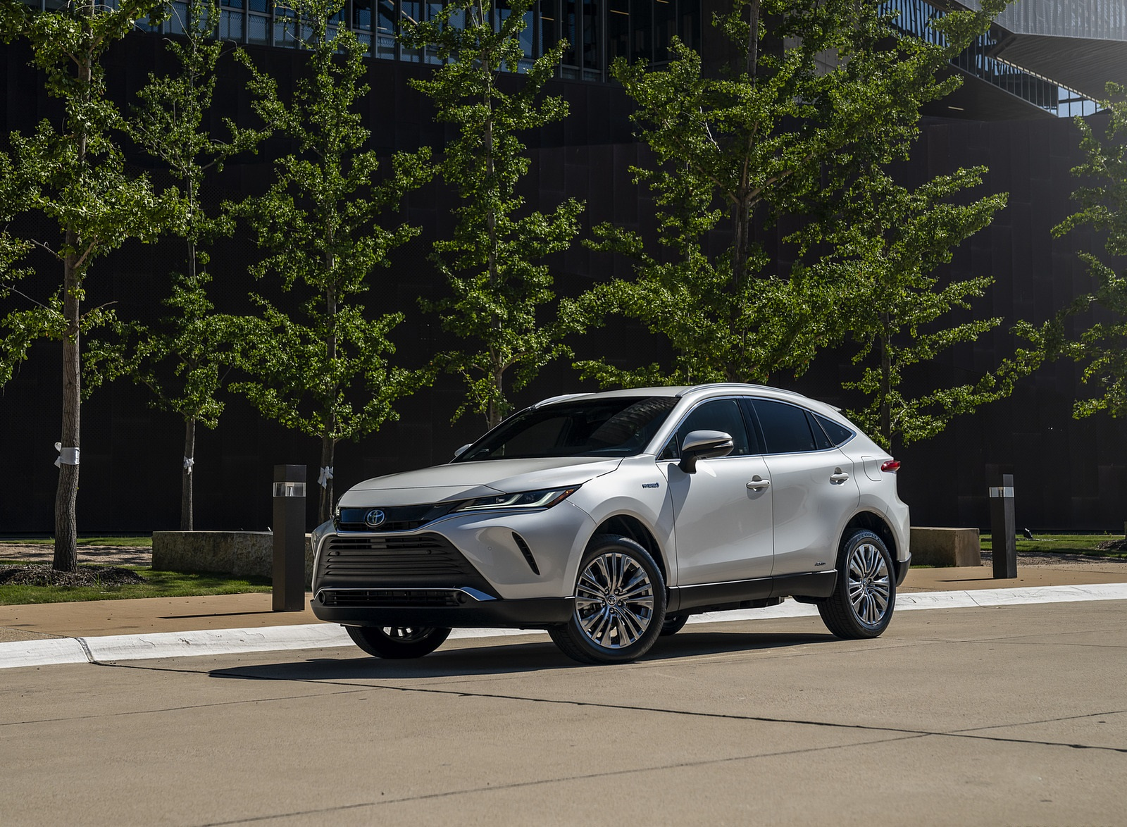 2021 Toyota Venza Hybrid XLE Front Three-Quarter Wallpapers (3)