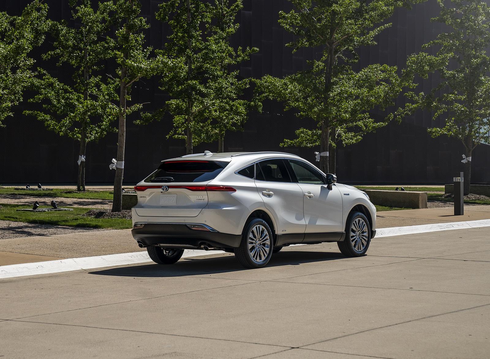 2021 Toyota Venza Hybrid XLE Rear Three-Quarter Wallpapers (6)