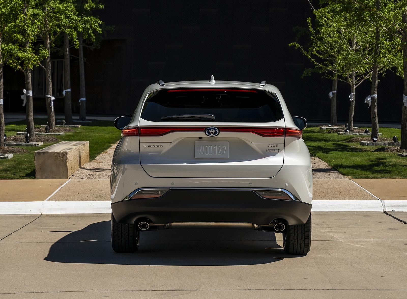 2021 Toyota Venza Hybrid XLE Rear Wallpapers (8)