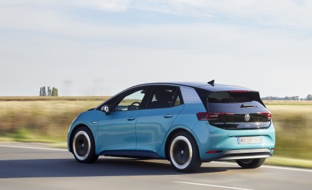 2021 Volkswagen ID.3 1st Edition Rear Three-Quarter Wallpapers 450x275 (122)