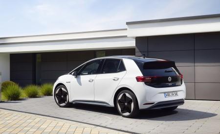 2021 Volkswagen ID.3 1st Edition Rear Three-Quarter Wallpapers 450x275 (117)