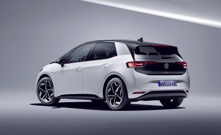 2021 Volkswagen ID.3 1st Edition Rear Three-Quarter Wallpapers 450x275 (142)