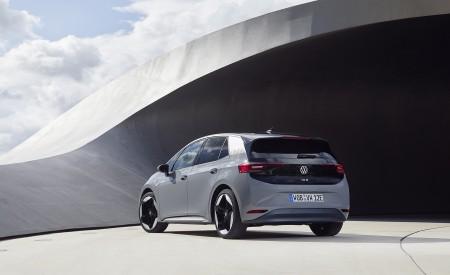 2021 Volkswagen ID.3 1st Edition Rear Three-Quarter Wallpapers 450x275 (137)