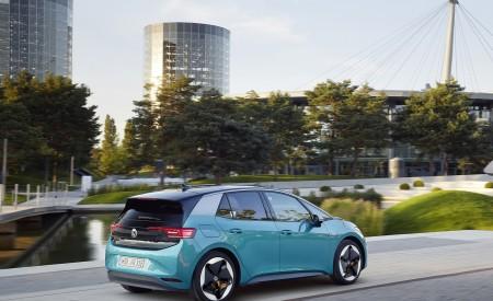 2021 Volkswagen ID.3 1st Edition Rear Three-Quarter Wallpapers 450x275 (127)