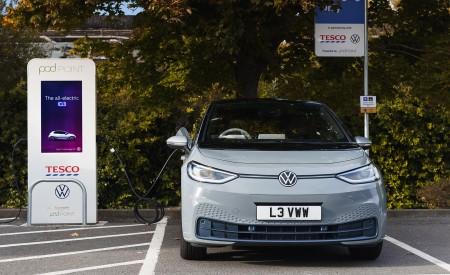 2021 Volkswagen ID.3 1st Edition (UK-Spec) Charging Wallpapers  450x275 (29)