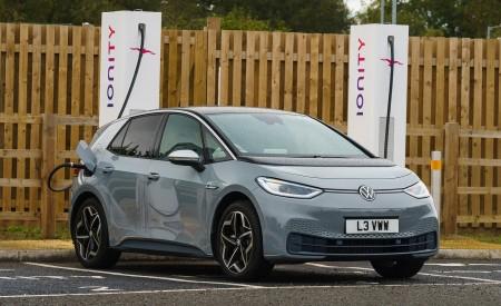 2021 Volkswagen ID.3 1st Edition (UK-Spec) Charging Wallpapers  450x275 (30)