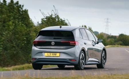 2021 Volkswagen ID.3 1st Edition (UK-Spec) Rear Three-Quarter Wallpapers 450x275 (16)