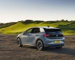 2021 Volkswagen ID.3 1st Edition (UK-Spec) Rear Three-Quarter Wallpapers 150x120 (40)