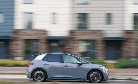 2021 Volkswagen ID.3 1st Edition (UK-Spec) Side Wallpapers 450x275 (27)