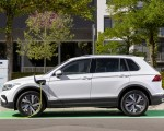 2021 Volkswagen Tiguan Plug-In Hybrid Charging Wallpapers 150x120 (11)