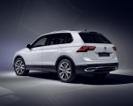 2021 Volkswagen Tiguan Plug-In Hybrid Rear Three-Quarter Wallpapers 150x120 (18)