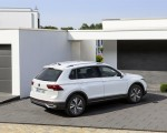 2021 Volkswagen Tiguan Plug-In Hybrid Rear Three-Quarter Wallpapers 150x120 (10)