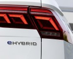 2021 Volkswagen Tiguan Plug-In Hybrid Tail Light Wallpapers 150x120 (12)