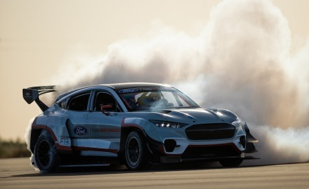 2020 Ford Mustang Mach-E 1400 Concept Front Three-Quarter Wallpapers 450x275 (9)