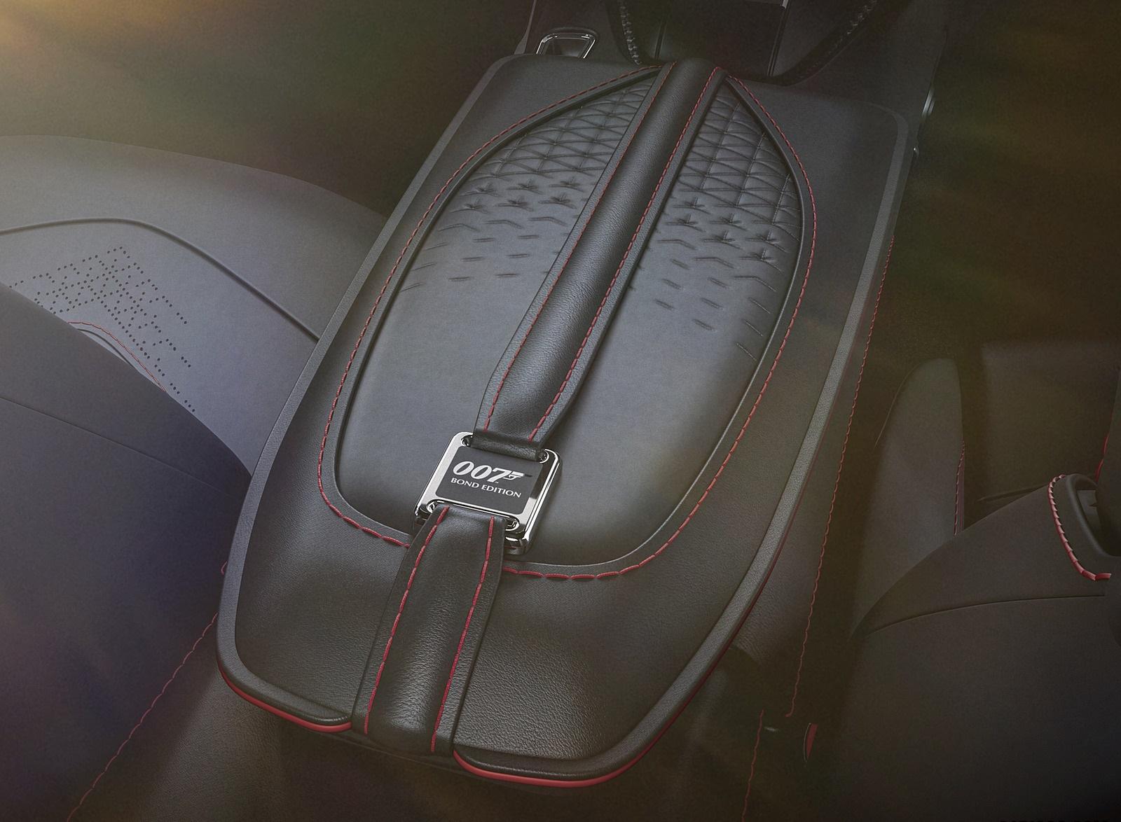 2021 Aston Martin DBS Superleggera 007 Edition Interior Detail Wallpapers (10)