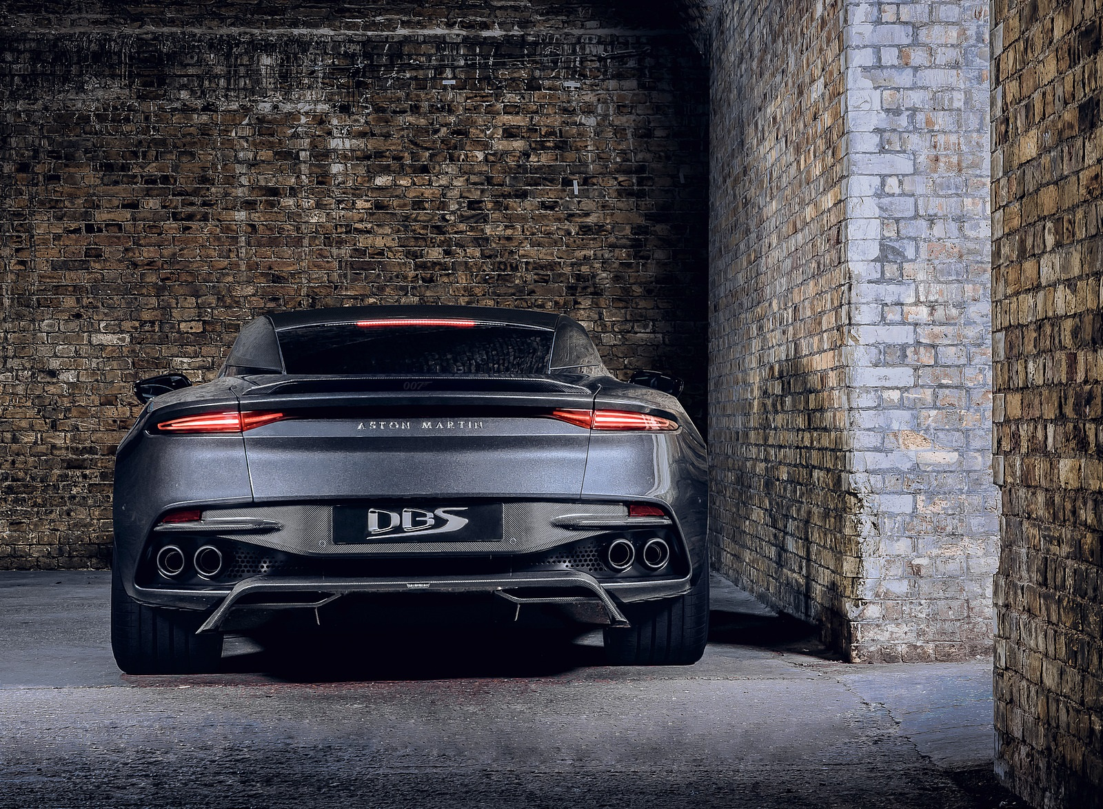 2021 Aston Martin DBS Superleggera 007 Edition Rear Wallpapers (4)