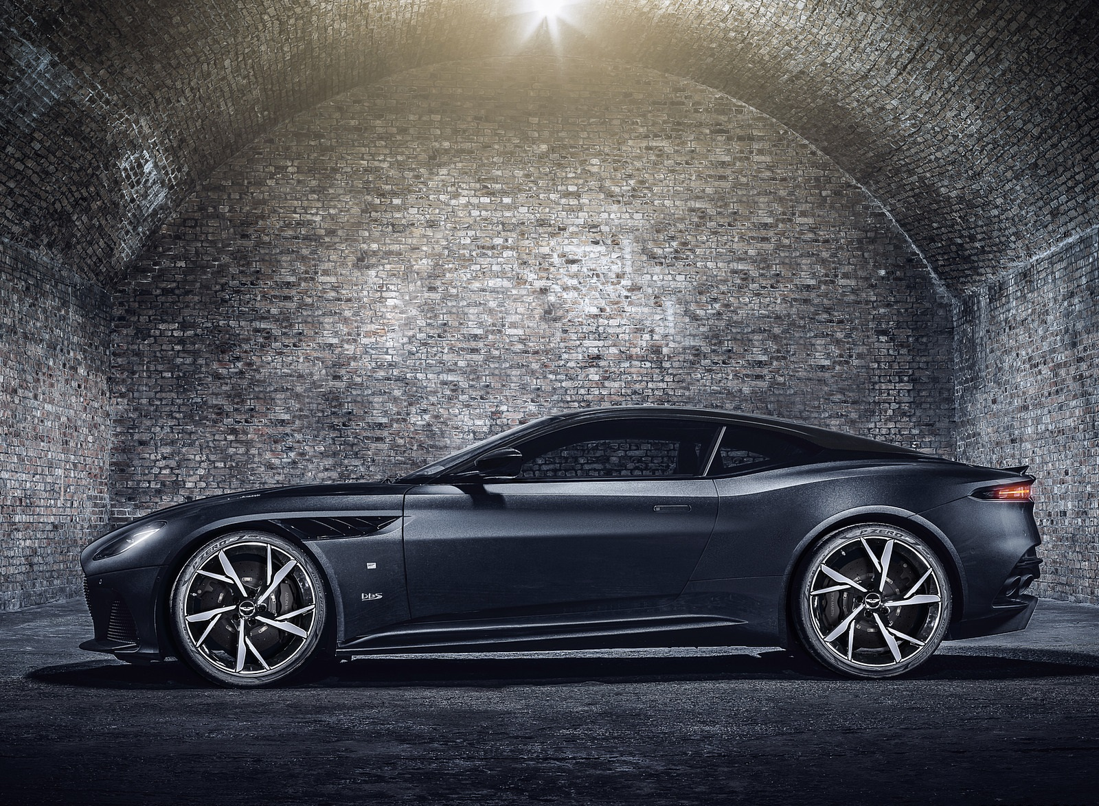 2021 Aston Martin DBS Superleggera 007 Edition Side Wallpapers (5)