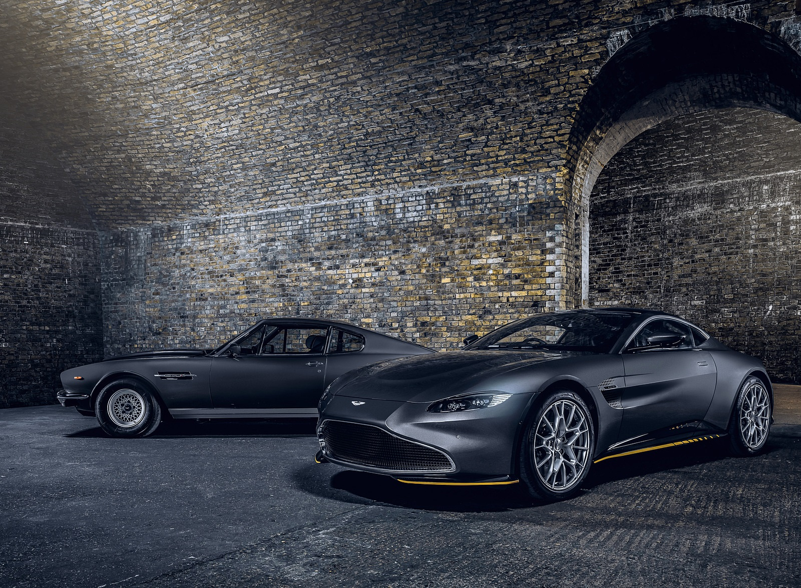 2021 Aston Martin Vantage 007 Edition Front Three-Quarter Wallpapers (2)