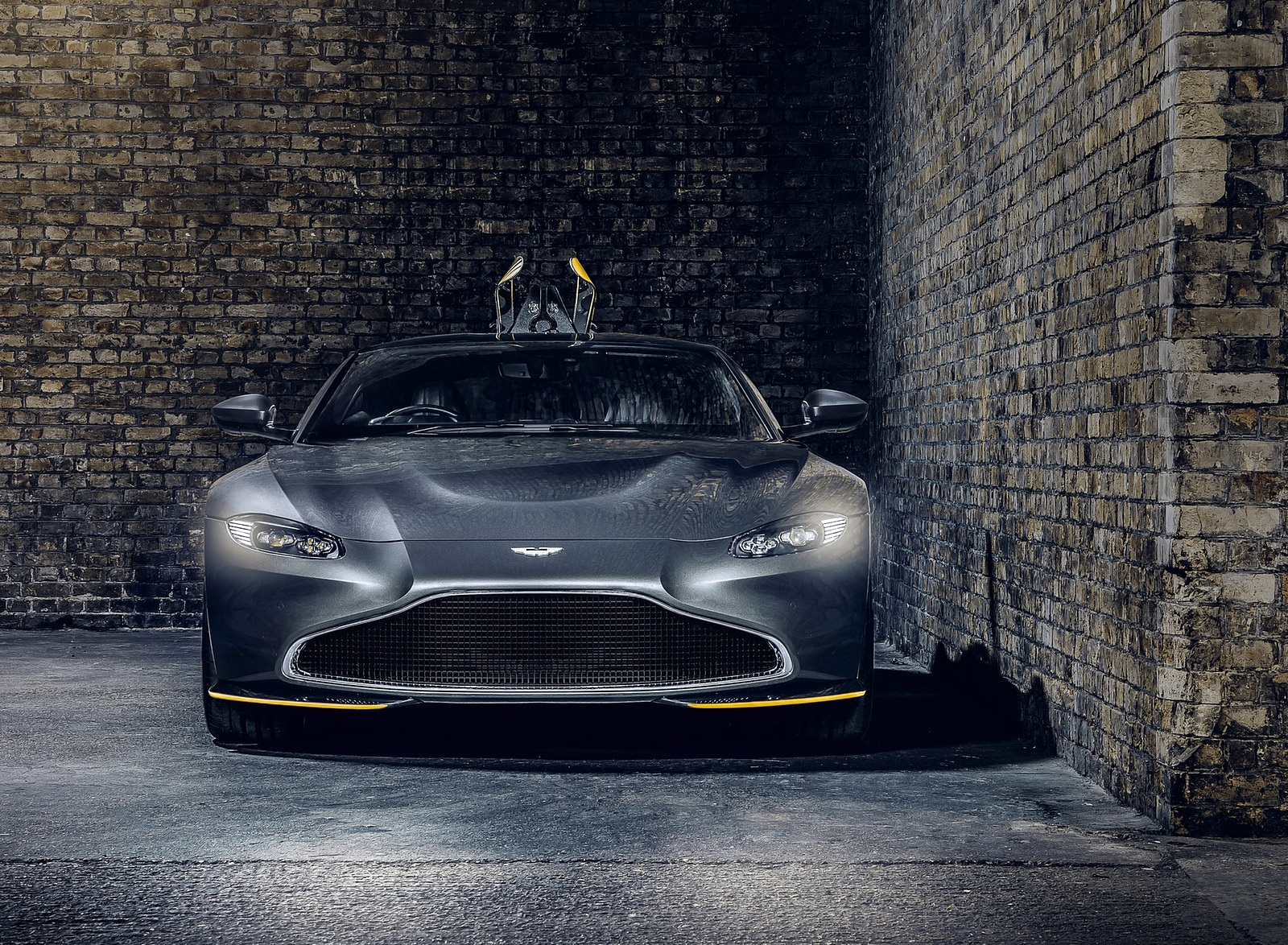 2021 Aston Martin Vantage 007 Edition Front Wallpapers (8)
