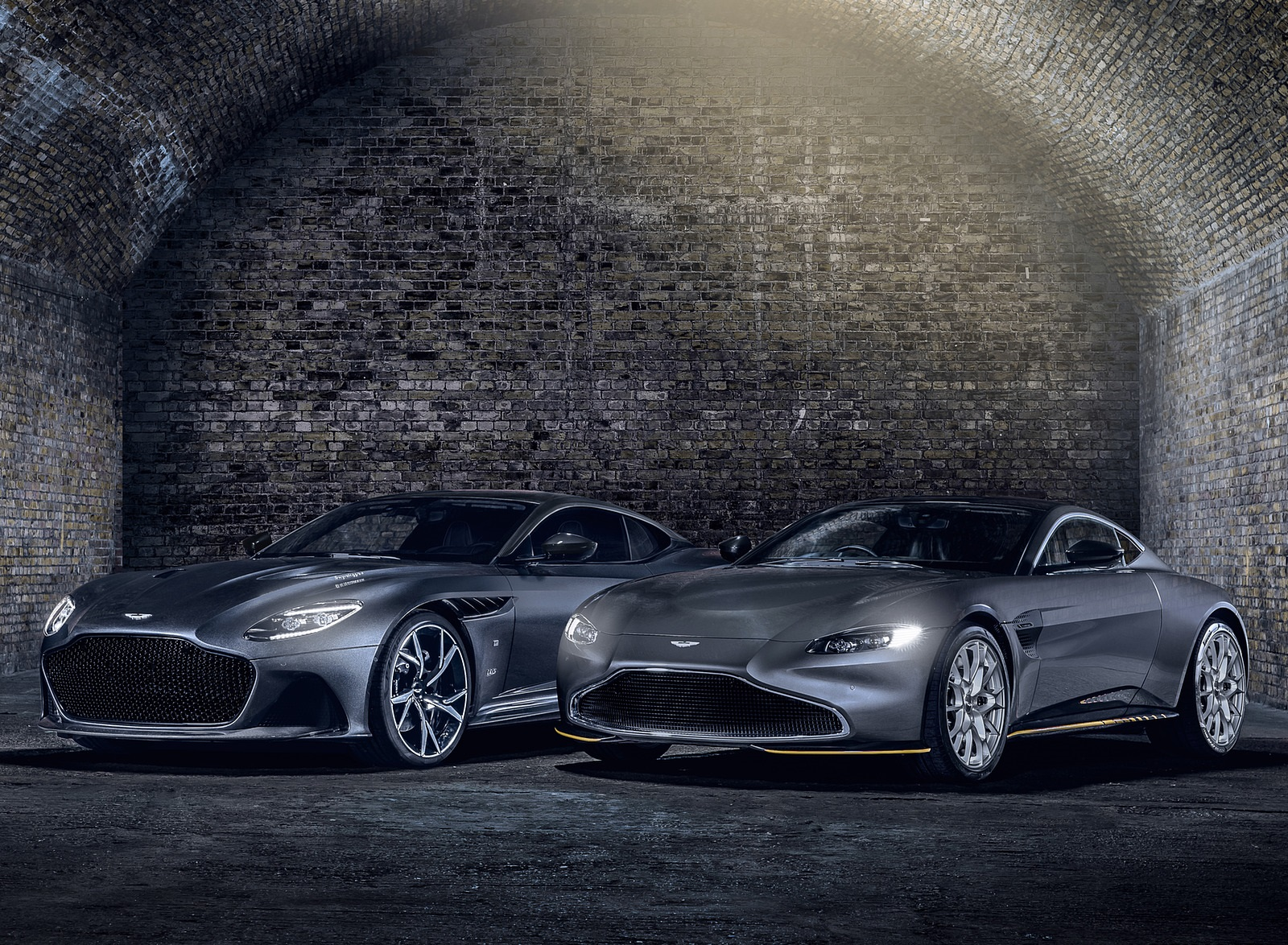 2021 Aston Martin Vantage 007 Edition and DBS Superleggera 007 Edition Wallpapers (6)