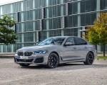 2021 BMW 545e xDrive Front Three-Quarter Wallpapers  150x120 (41)